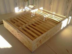 кровать из дерева своими руками фото чертежи