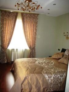 Фото современных штор в спальне