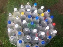 Пуфик из пластиковых